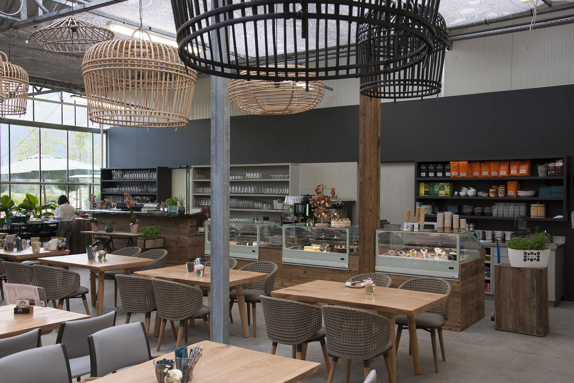 Tischlerei Stöckl Ebbs Café Einrichtung Möbel Inneneinrichtung Holz