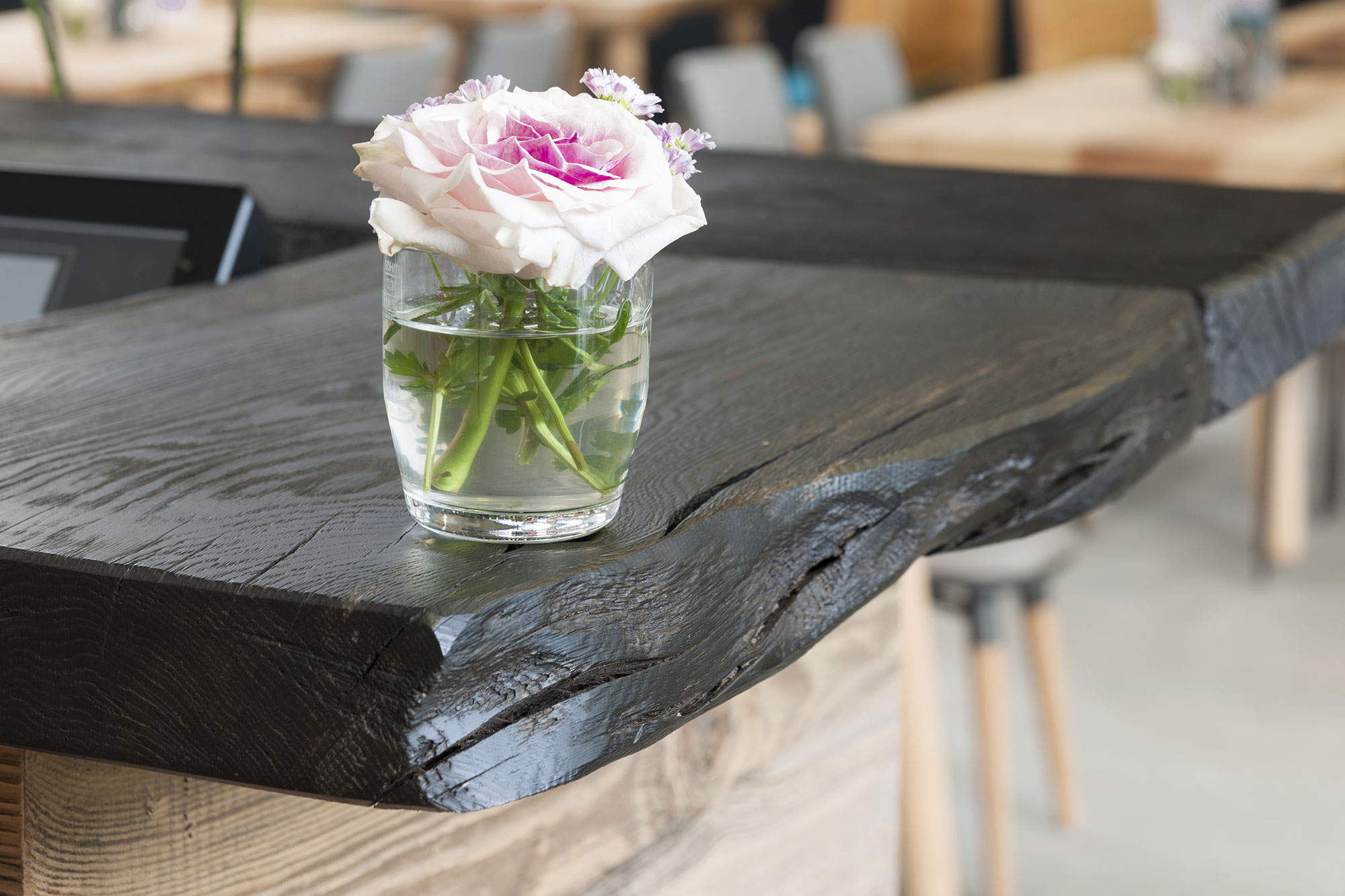 Tischlerei Stöckl Ebbs Café Einrichtung Möbel Inneneinrichtung Detailaufnahme Theke Holz