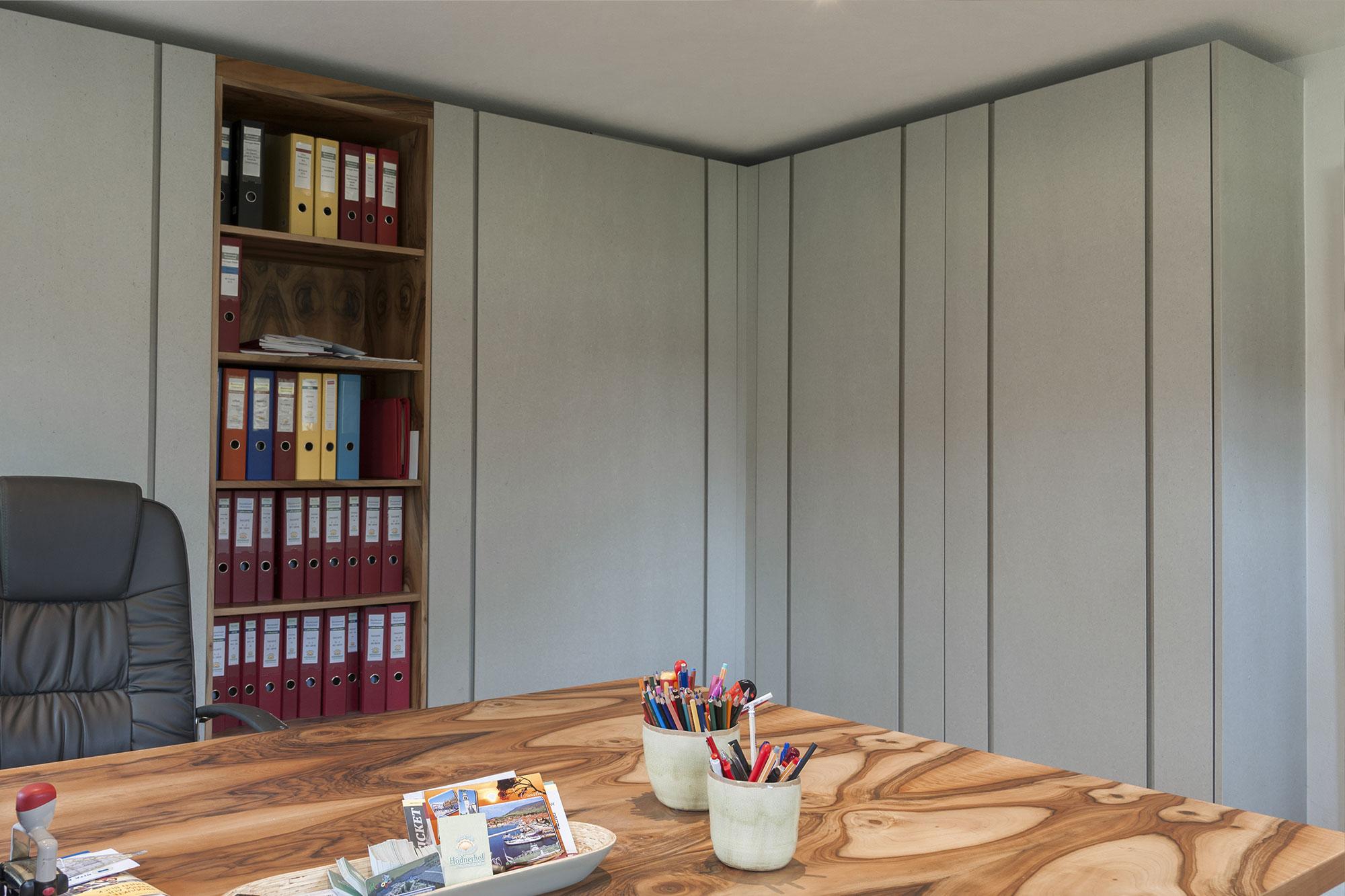 Tischlerei Stöckl Ebbs Büro Büroeinrichtung Inneneinrichtung Möbel Holz Schreibtisch Schränke Regal