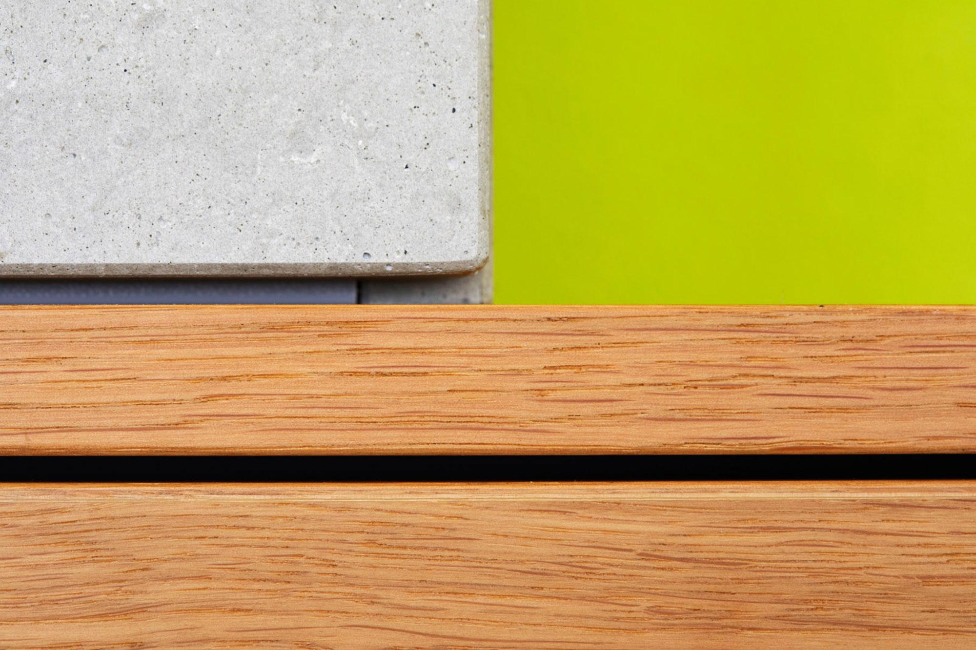 Tischlerei Stöckl Ebbs Wohnküche Echtbeton Inneneinrichtung Möbel Detailaufnahme Holz und Beton