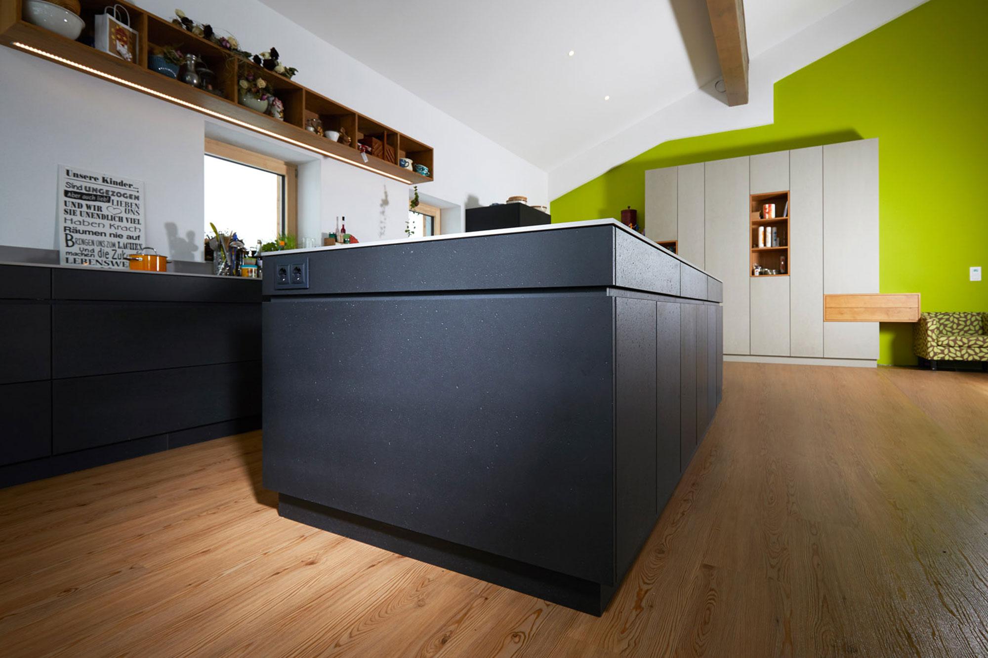 Tischlerei Stöckl Ebbs Wohnküche Echtbeton Inneneinrichtung Möbel Schränke Kücheninsel